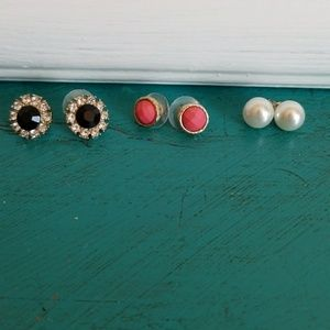 Jewelry - Earring Bundle
